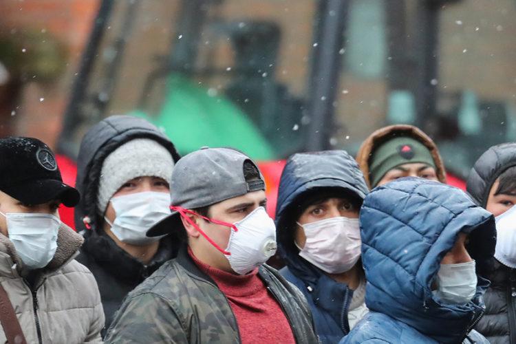 Что происходит с мигрантами, работавшими на закрытых московских стройках